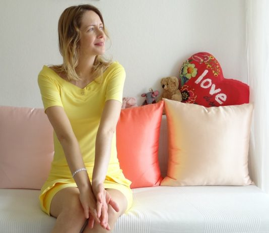 Johanna in a yellow dress